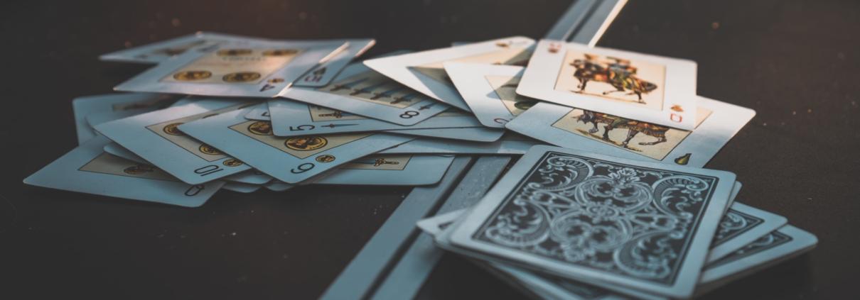 Pak kaarten door elkaar